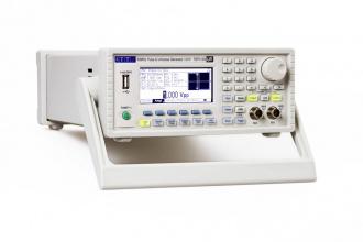 AIM-TTi TGP3152 (TGP3100 Series) Pulse and Function Generator - left